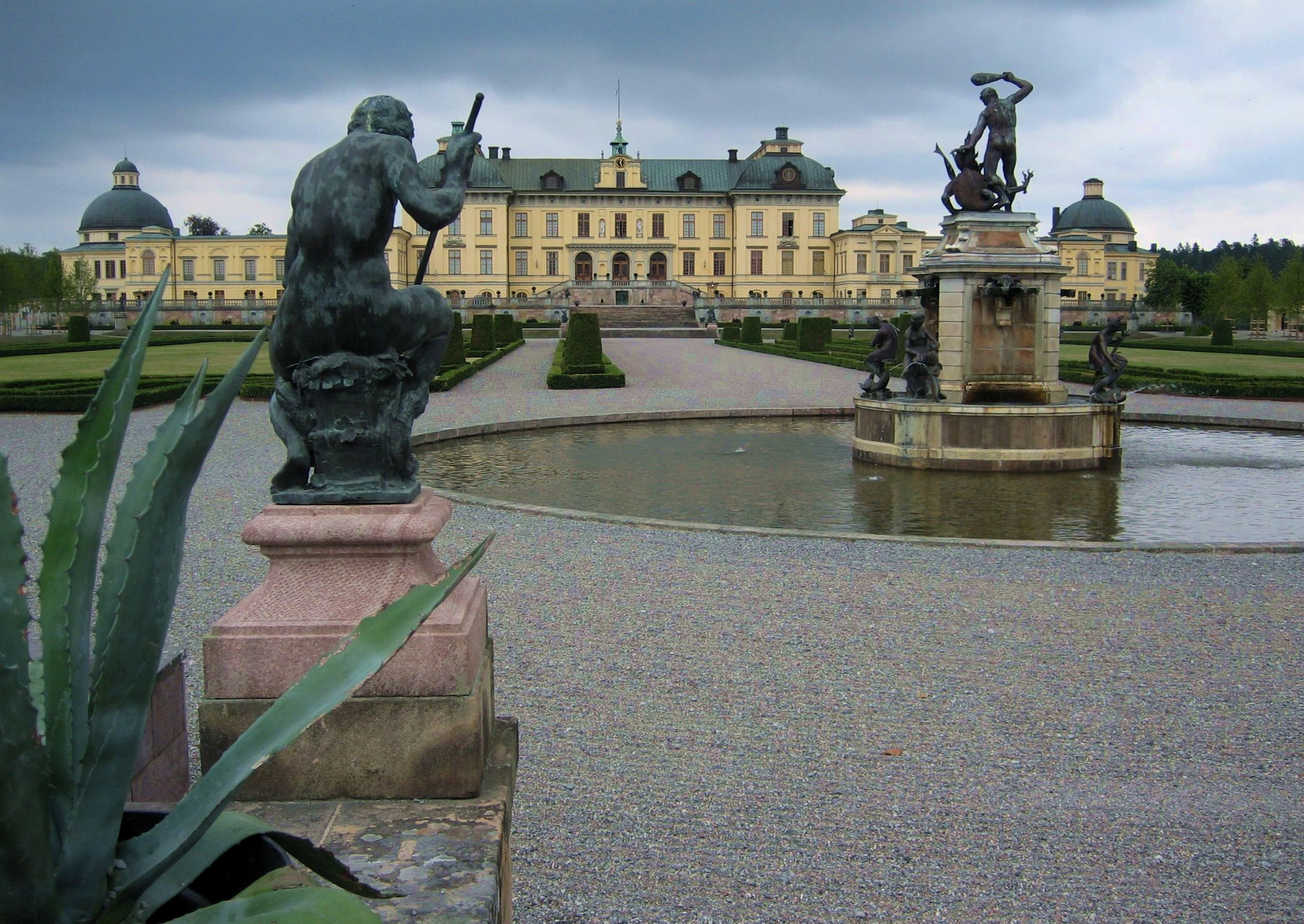 Drottningholm, Vattenparterren med Herkulesfontänen.