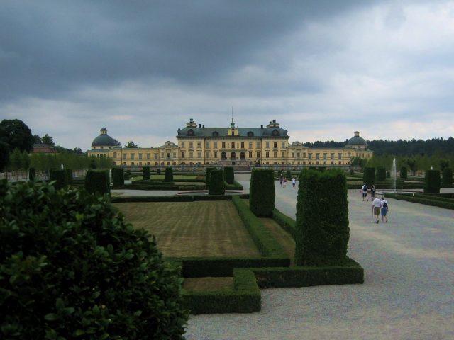 Drottningholms slott och trädgård.